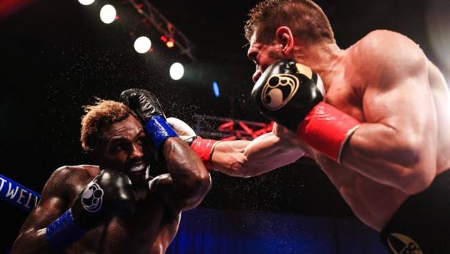 Появилось фото судейских записок боя Чарло - Деревянченко за титул WBC в весе Головкина