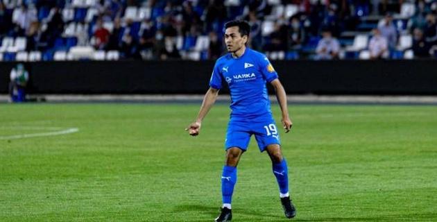 Казахстанский футболист получил первую красную карточку за российский клуб