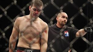 У уволенного из UFC российского бойца украли автомобиль