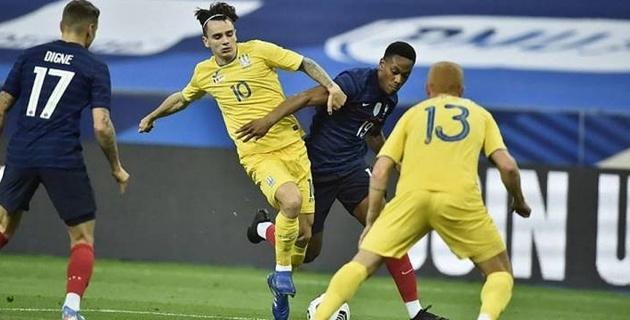 Сборная Франции по футболу забила семь мячей Украине в товарищеском матче