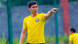 Капитан сборной Казахстана по футболу Исламхан получил травму перед играми в Лиге наций