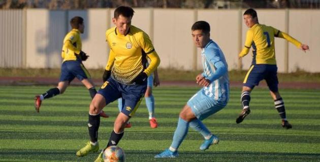 Команда экс-тренера сборной Казахстана поделила очки в матче первой лиги с шестью голами