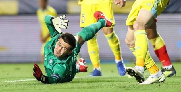 Молодежная сборная Казахстана пропустила три мяча за тайм и проиграла Испании в отборе на Евро-2021