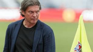 Клуб казахстанского футболиста остался без тренера после поражения от лидера чемпионата