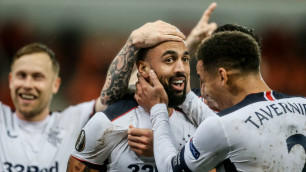 Футболист шотландского клуба забил невероятный гол с центра поля в Лиге Европы