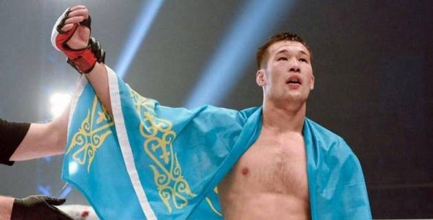 """""""Счастлив поднять флаг Казахстана!"""". Рахмонов - о первой победе в UFC, силе своего приема и подарке на день рождения"""