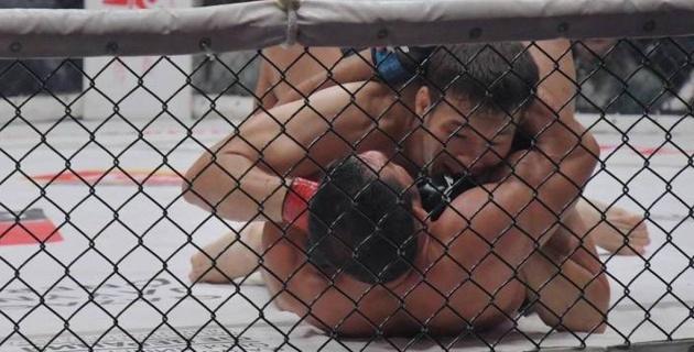 Историческая гильотина, или видео победы Рахмонова в первом бою в UFC