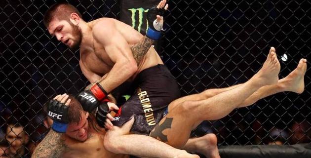 UFC объявил обладателей бонусов на последнем турнире Хабиба с участием казахстанца