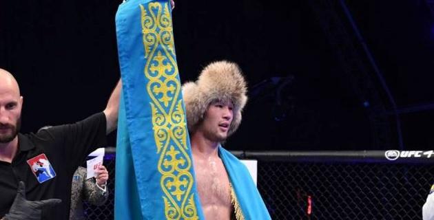 """В тени Хабиба. Казахстанца Рахмонова назвали """"новым явлением"""" в UFC после яркого дебюта"""