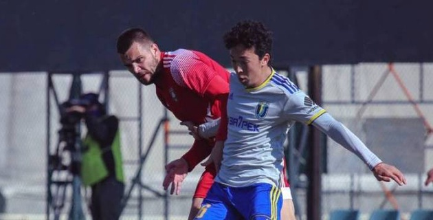 "Футболиста ""Кайсара"" дисквалифицировали за удар ножницами по голове соперника"