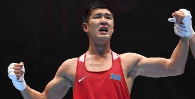 Видео нокаута, или как 22-летний чемпион мира из Казахстана выиграл дебютный бой в профи