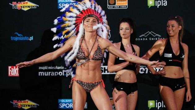 Снимавшаяся для Playboy чемпионка мира по боксу впервые проиграла и лишилась титула