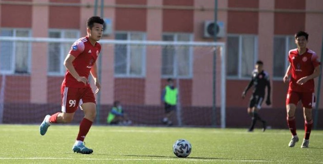 В Казахстане дисквалифицированный футболист вышел на поле и забил гол. Команде грозит техническое поражение