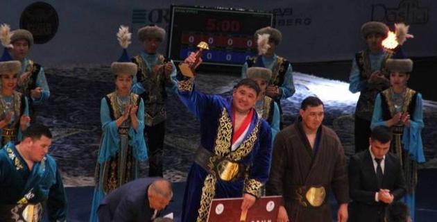 """Известные казахстанские спортсмены """"засветились"""" на свадьбе в карантин"""