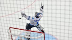 """Карлссон не играл в """"Барысе"""" 10 матчей, вернулся на лед и пропустил очень курьезную шайбу на 11 секунде от команды Скабелки"""