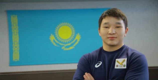 """Три """"золота"""" из пяти медалей. Кто будет тащить сборную Казахстана по тяжелой атлетике в будущем"""
