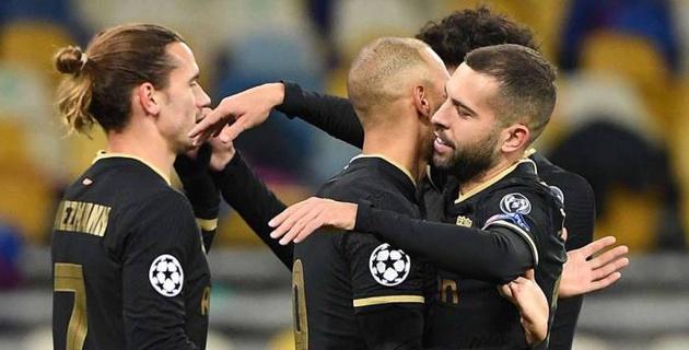 """""""Барселона"""" и """"МЮ"""" забили по четыре мяча, а российские клубы снова проиграли в Лиге чемпионов"""