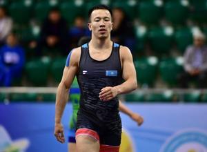 Джентльменским поступком отметился казахстанец на чемпионате страны по греко-римской борьбе