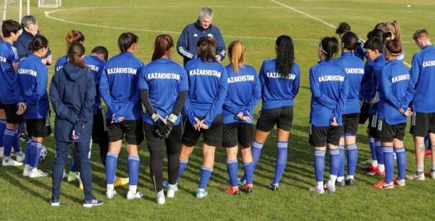 Женская сборная Казахстана по футболу потерпела крупное поражение в матче отбора на Евро-2021