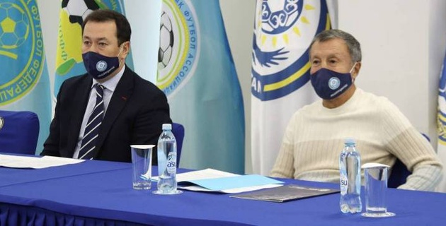 Глава КФФ встретился с игроками и тренерами сборной Казахстана по футзалу перед стартом в отборе на Евро
