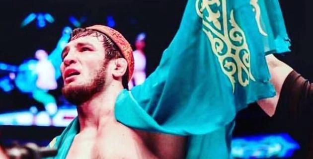 Видео жесткого нокаута. Как казахстанец выиграл бой в первом раунде у экс-бойца UFC