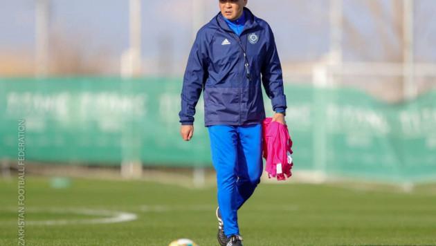 Ограниченные возможности КФФ и второй шанс для тренера. Почему Байсуфинов возглавил сборную Казахстана