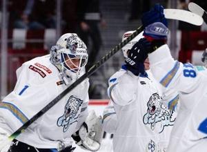 """Хоккеисты """"Барыса"""" исполнили гимн и поздравили казахстанцев с Днем Независимости"""