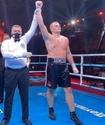 Казахстанский тяжеловес выиграл второй бой в профи