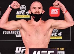 Довел Уайта до бешенства и был уволен. Казахстанец встретится со скандальным экс-бойцом UFC