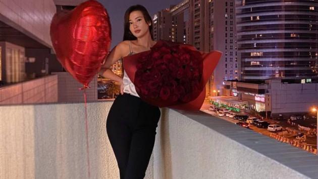 Сабина Алтынбекова показала свадебный торт