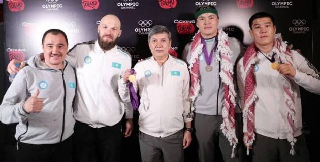 Левит, капитан и другие боксеры сборной Казахстана прибыли на сборы в США