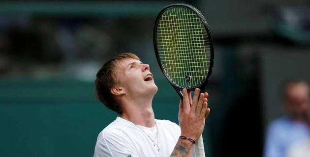 Казахстанский теннисист стартовал с победы на турнире ATP в Анталье