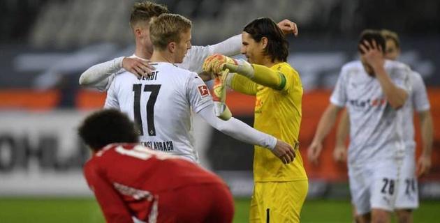 """""""Бавария"""" вела 2:0 и потерпела первое поражение за четыре месяца"""