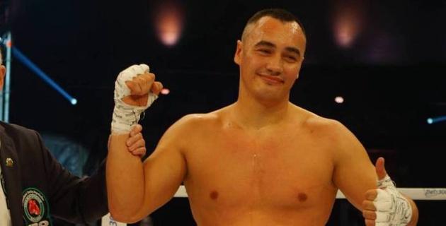 Небитый супертяж из Казахстана узнал дату и соперника по титульному бою