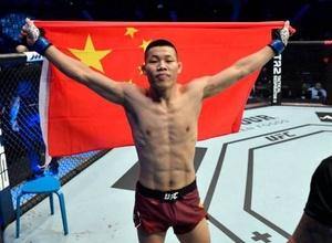 Китайский боец UFC эффектно нокаутировал соперника в первом раунде