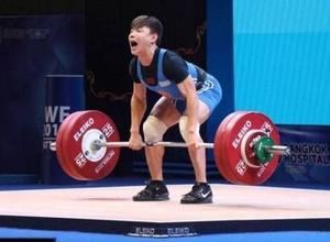 Смена лидера. Кто из казахстанских штангистов-мужчин завоюет единственную лицензию на Олимпиаду в Токио