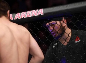 """""""Мне хватило колхозных навыков"""". Хабиб Нурмагомедов вспомнил свой дебют и сравнил его с победой брата над Морозовым в UFC"""