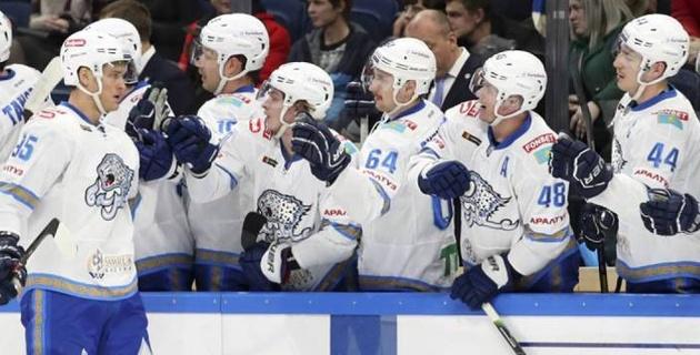 """Битва на территории """"Барыса"""", или как казахстанцы впервые могут обыграть фаворита КХЛ"""