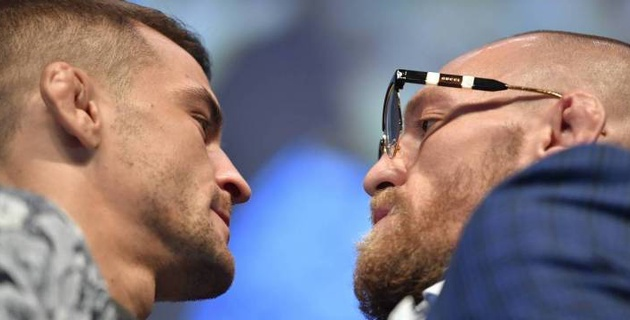 Конор МакГрегор и Дастин Порье провели дуэль взглядов перед турниром UFC 257