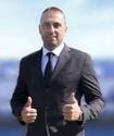 Cоперник сборной Казахстана в отборе на ЧМ-2022 назначил нового тренера. Фанаты устроили акцию протеста