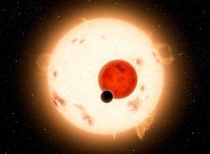 Астрономы обнаружили первую планету с двумя солнцами