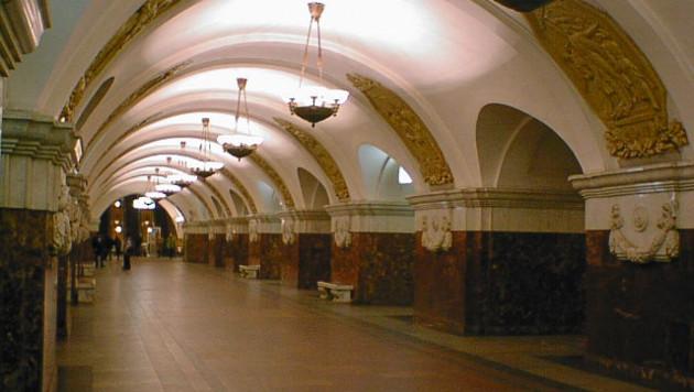 Француженка бросилась под поезд в московском метро