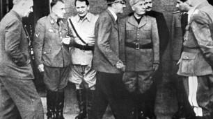 Hugo Boss извинилась за нацистское прошлое