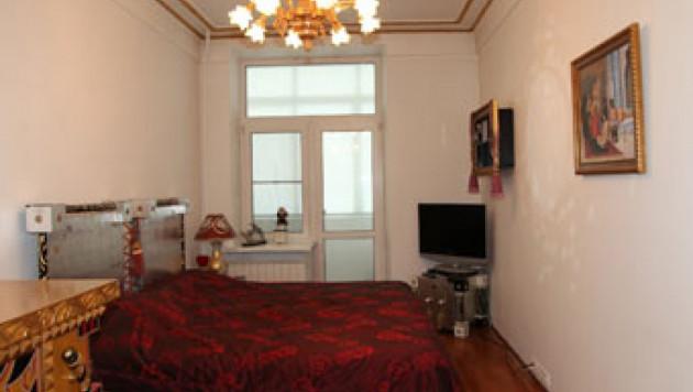 В Москве выставили на продажу двухкомнатную квартиру Брежнева