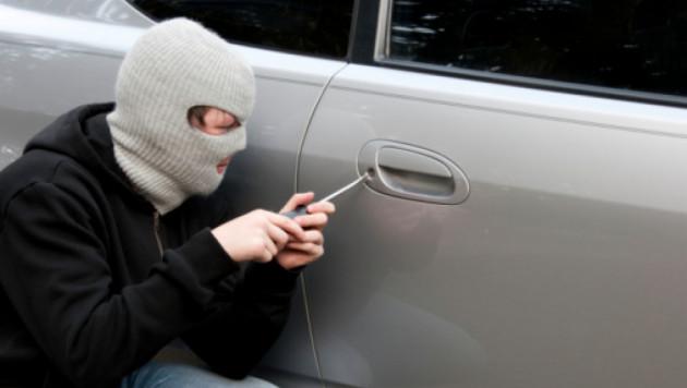 В Манчестере подростки сдали педофила полиции и угнали его машину