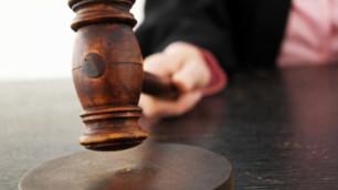 В США посадили обвиняемую в контрабанде оружия в Россию