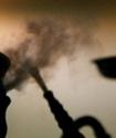Петербургские депутаты предложили запретить курение кальяна в кафе