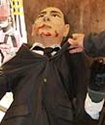 """В центре Милана нашли """"Берлускони"""" с окровавленными руками"""