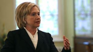 Клинтон призвала ЦИК Кыргызстана расследовать нарушения на президентских выборах