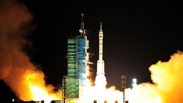 Китай успешно запустил беспилотный космический корабль
